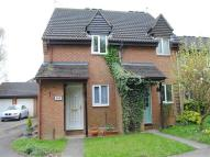 2 bedroom house to rent in Ellenborough Close...