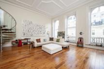 2 bed Flat in Lancaster Gate, W2