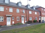 Town House to rent in The Pollards, Bourne...