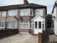 3 bedroom End of Terrace home in Hounslow, TW4
