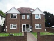 2 bedroom Flat in Hounslow, TW4