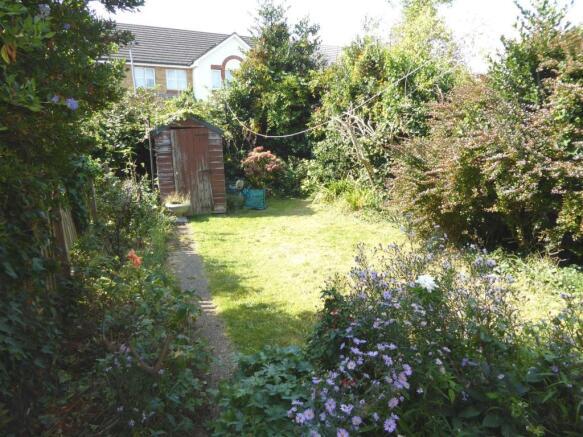 35 Cambria Close garden.JPG
