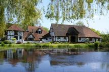 Equestrian Facility home in Near Lingfield, Surrey