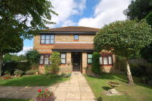 Flat for sale in Lingfield, Surrey