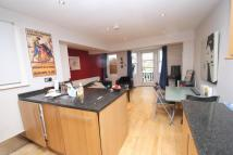 Chelverton Road Apartment to rent
