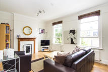 3 bedroom Flat in Bloom Park Road, London...