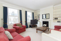 3 bed Flat in St. Maur Road, Fulham