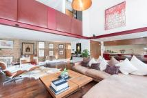 Apartment to rent in BATTERSEA PARK ROAD...