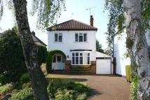 3 bed Detached house in WOMBOURNE, Station Road