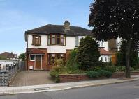 3 bed semi detached house in Cat Hill, Cockfosters...
