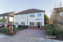 3 bedroom new house for sale in Mays Lane, Barnet, Herts...