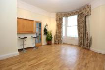 Ground Flat to rent in Kings Road, Brighton