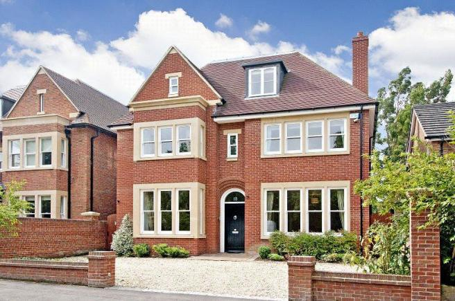 7 bedroom detached house for sale in charlbury road for Big modern houses in england