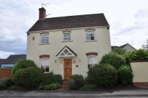 3 bedroom Detached property in Rosemount Road...