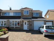 4 bed semi detached property in Greencroft, Redcar, TS10