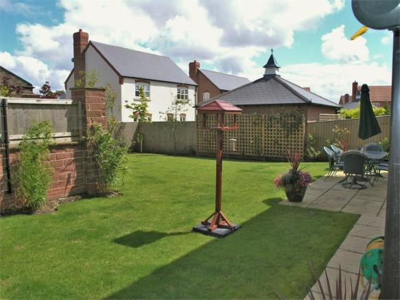 4 bedroom detached house for sale in norlands park widnes for Home architecture widnes