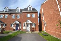 3 bedroom semi detached house to rent in Cygnet Gardens...