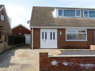 Semi-Detached Bungalow to rent in Reed Crescent, Wigan...