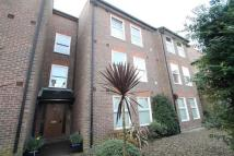 2 bedroom Flat to rent in Oaklands House...