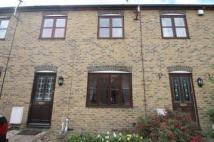 2 bedroom house to rent in Albert Mews, Arabin Road...