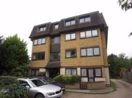 2 bed Flat in 47 Rowantree Road...