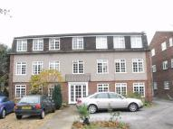 2 bed Flat to rent in Chase Court Gardens...