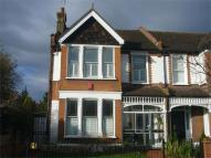 4 bed semi detached home to rent in Warwick Road, Wanstead...