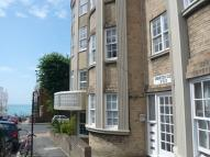 2 bedroom Flat in Chichester Place...