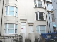 Flat to rent in Clarence Square, BRIGHTON
