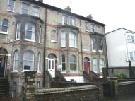 Flat to rent in Gladstone Terrace...