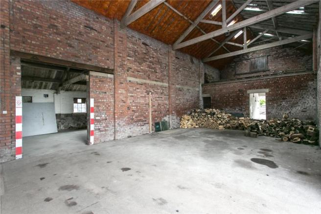 Barn Internal (B)