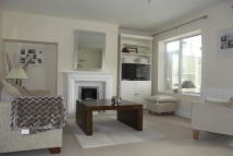 2 bed house in Chinnock Road...