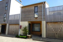 2 bedroom Terraced property to rent in Street BA16 0FW