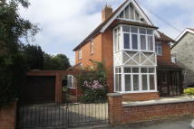 3 bed house in Wraxhill Road, Street...