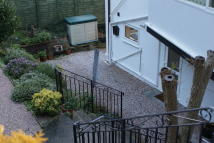 2 bedroom Flat to rent in Flat 2, Jomay House...