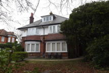 Flat in PORTCHESTER ROAD -...