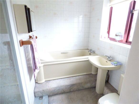 En-Suite Bath/W.C.