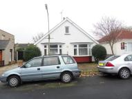 Bungalow to rent in Grasmead Ave - Leigh on...