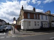 Flat to rent in Tintern Avenue-Westcliff...