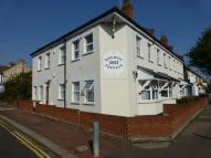 1 bedroom Flat to rent in Rayleigh Terrace -...