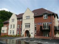 1 bed Apartment in Highcroft Road...