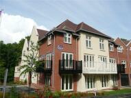 Apartment in Highcroft Road...