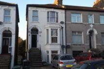 Flat for sale in Selhurst Road...
