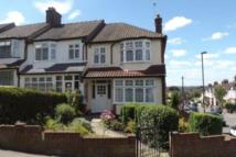 3 bedroom property to rent in Ainsworthy Crescent...