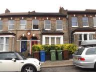 2 bedroom Flat to rent in Elland Rd, Peckham, SE15