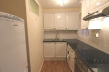 Ground Flat to rent in Muscliffe, Bournemouth...