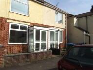 3 bedroom Terraced property in Gordon Road, PETS allowed