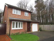 3 bed Detached property in Kassel Close...