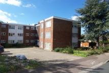 2 bedroom Flat in Buckhurst Hill IG9