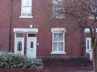 Ground Flat to rent in Brandling Street...